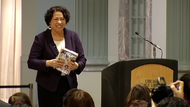Sotomayor cautiva audiencia en Chicago