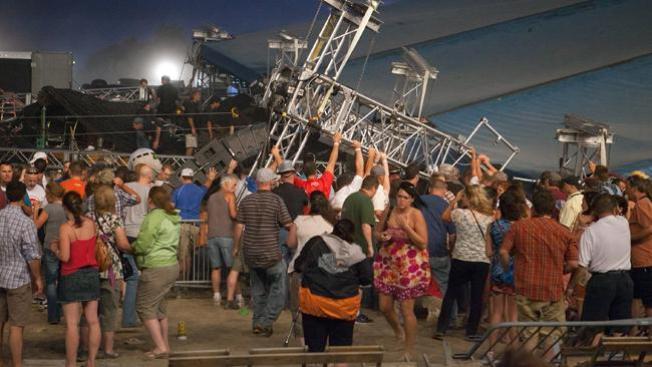 Demandan a Sugarland por derrumbe de escenario