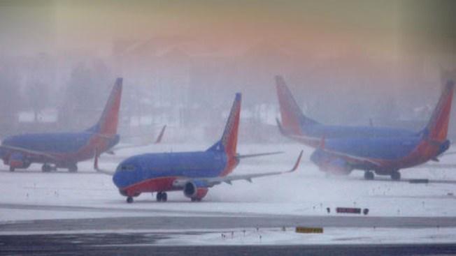 Caos en aeropuertos de Chicago