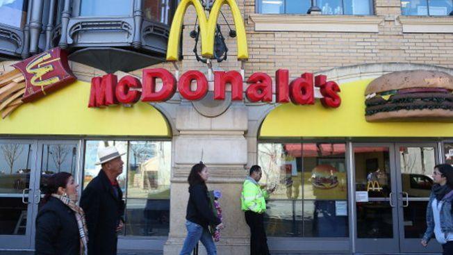 McDonald's a corte: niño se habría comido un condón