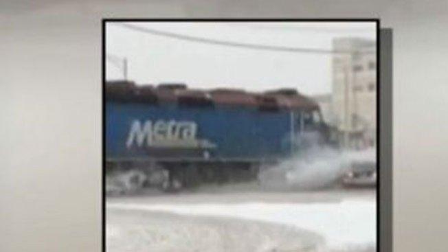 Impacto: tren se lleva por delante a auto