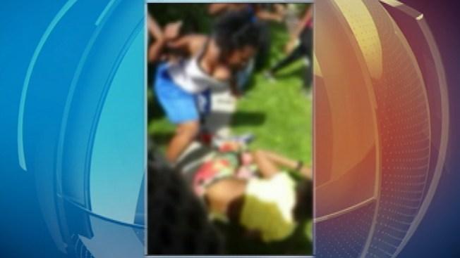 10 arrestados en trifulca de estudiantes