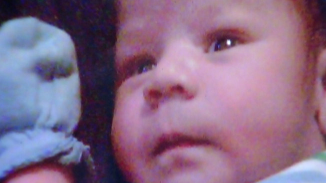 Investigan muerte de bebé