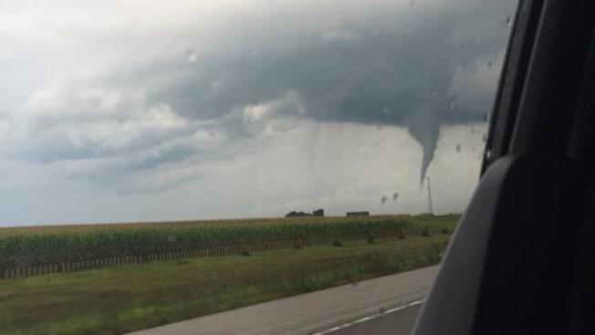 Tornados y tiempo severo azotó Chicago e IL