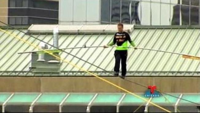 Afamado trapecista cruzará río Chicago