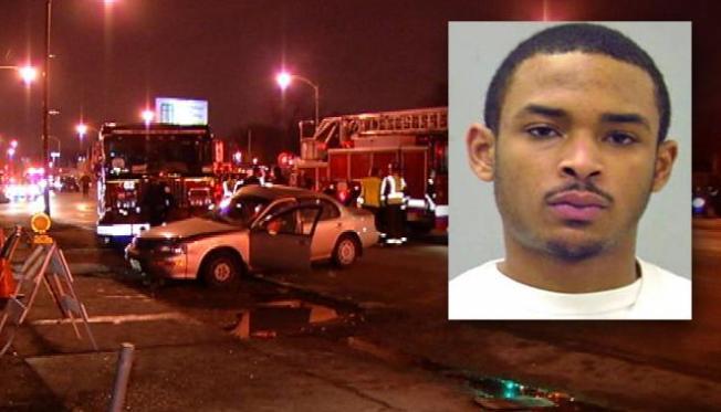 Agravan cargos en contra de joven que chocó con bomberos