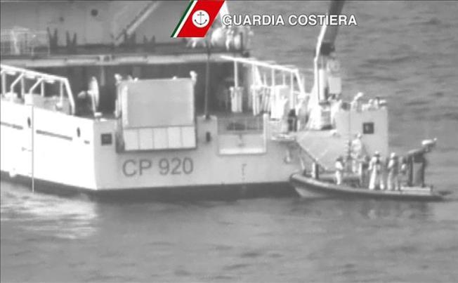 Desaparecen 700 náufragos entre Libia e Italia