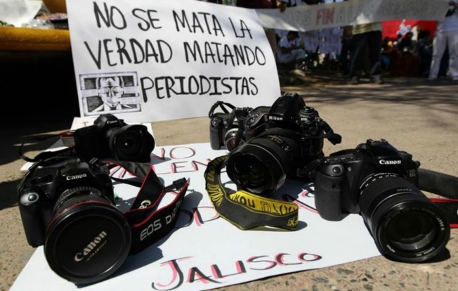 Periodistas mexicanos enfrentan graves riesgos