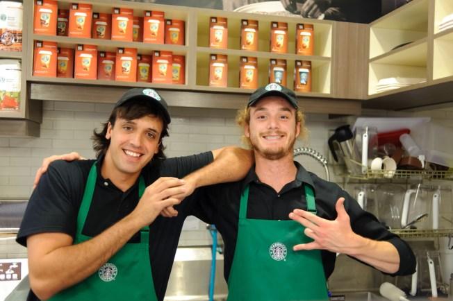 Starbucks contratará 400 jóvenes en Chicago