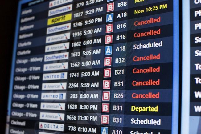 Cancelan cientos de vuelos en Chicago por brutal tormenta
