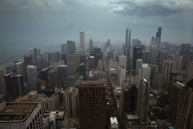 Soldier Field: Develan monumentos a leyendas de los Chicago Bears