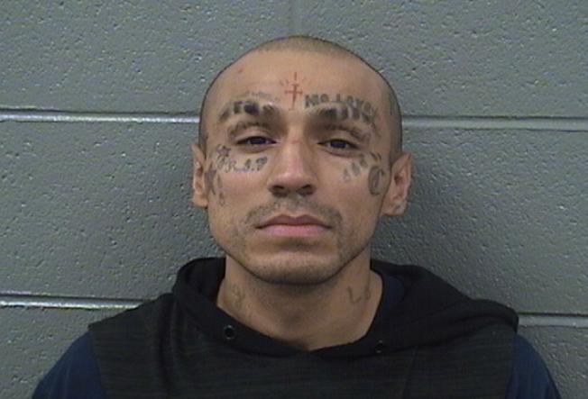 Acusado de dispararle a policías desde un auto robado