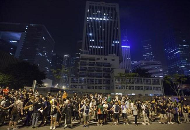 Hong Kong considera abrir diálogo