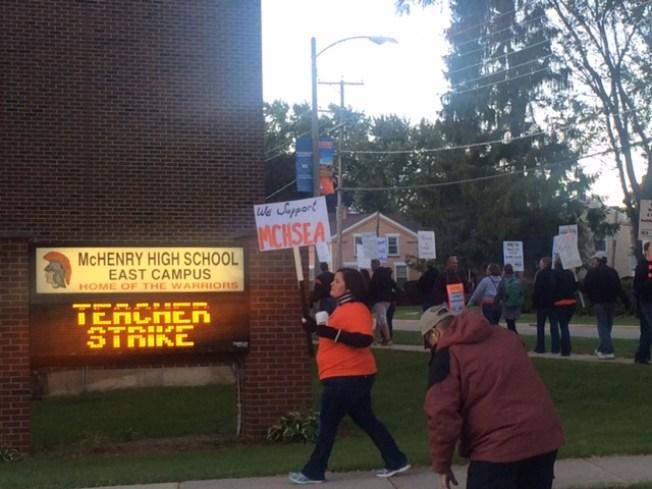 En huelga maestros del condado McHenry