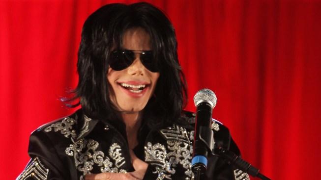 Hermanos de Michael Jackson lo defienden de documental