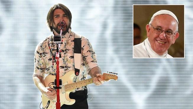Juanes revela qué le cantara al Papa Francisco