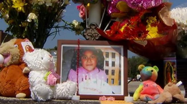 Ayuda a familia de niña fallecida