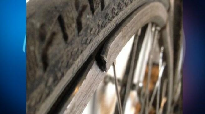 Ciclista es atacado con machete