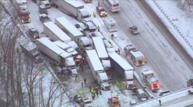 3 muertos en choque múltiple en Indiana