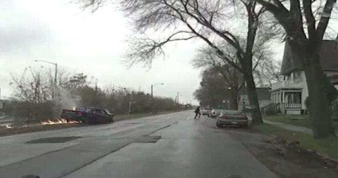 Persecución y choque brutal de conductor aparentemente ebrio