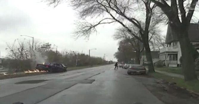 En cámara: persecución y choque brutal de conductor aparentemente ebrio