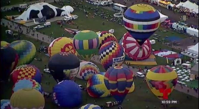 Cientos de globos invaden el cielo