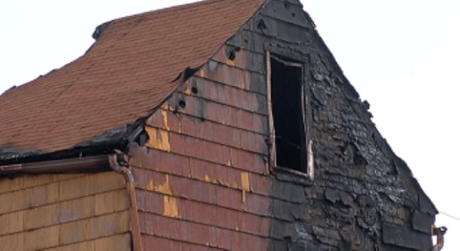 Hallado muerto en ático tras incendio