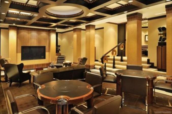 Gimnasio Baños Jordan:La mansión de Michael Jordan incluye nueve recámaras, 19 baños y