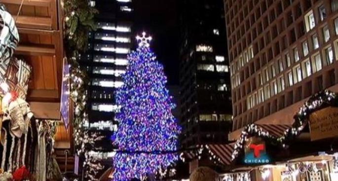 Chicago enciende su árbol de Navidad